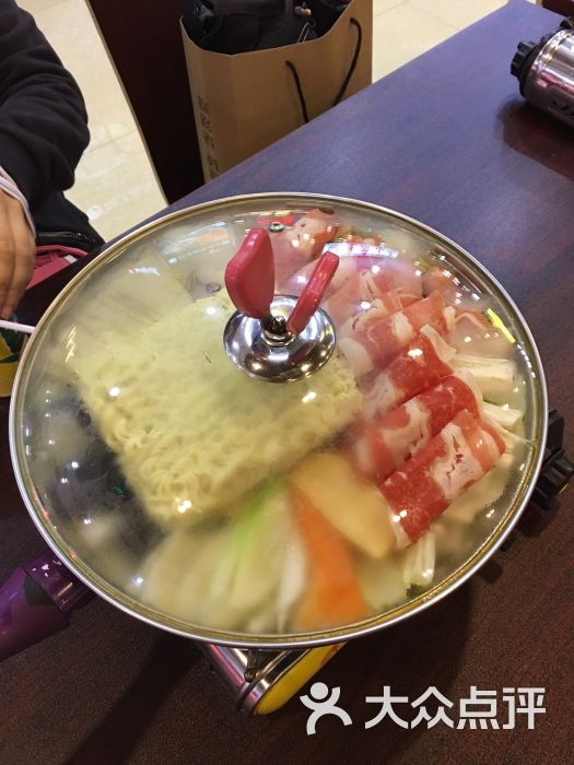 阿泽西韩国火锅年糕(南大街食尚演员美食店)-图广场大美食2v火锅图片